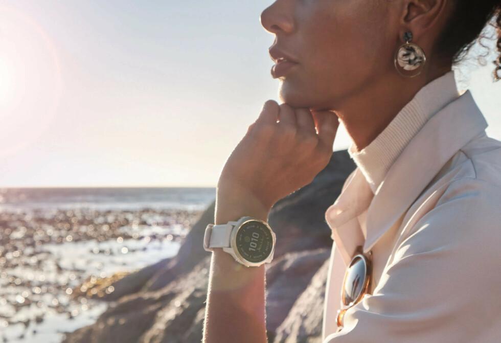 Fire grunner til å velge en smartwatch skreddersydd til kvinner