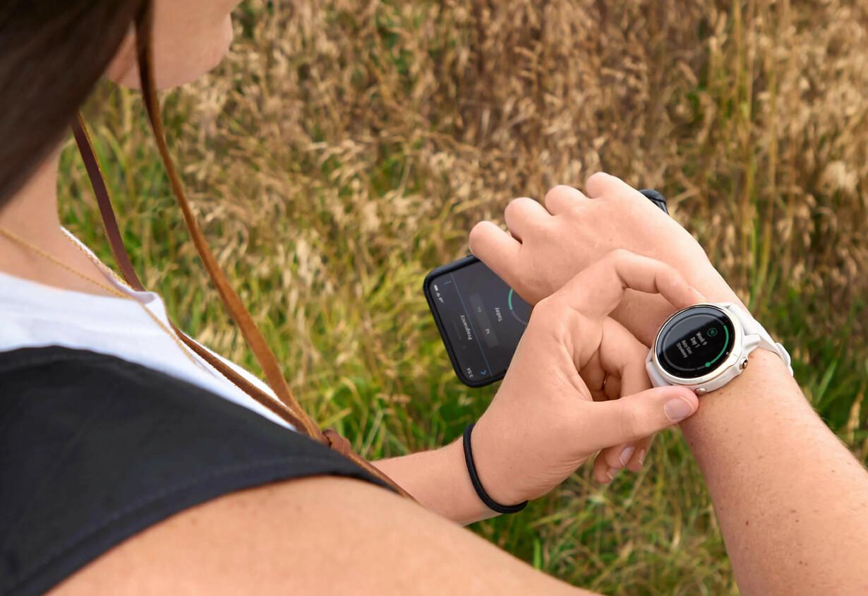 SYKLUSOVERBLIKK: Hold styr på menstruasjonssyklusen din med en Garmin smartwatch for kvinner. Det gir deg et godt bilde av hvordan kroppen din har det. Klokken har også en innebygd svangerskapskalender dersom du er gravid.
