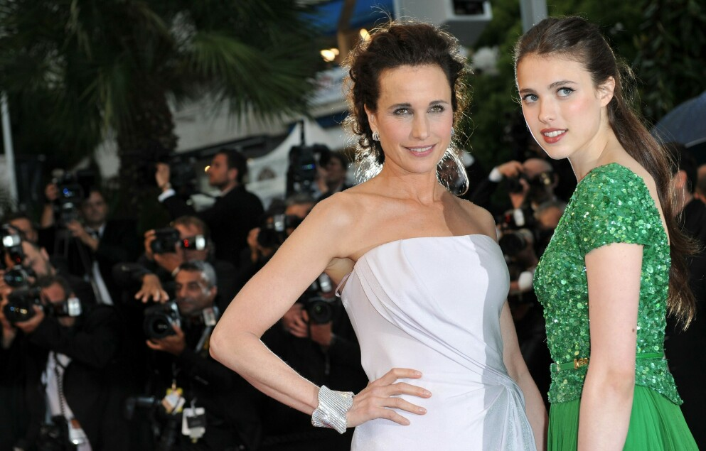 MAID NETFLIX: Skuespiller Andie MacDowell og datteren Margaret Qualley spiller mor og datter i Netflix-serien Maid. FOTO: NTB