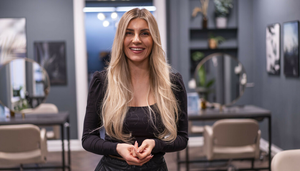 GOD ERFARING: Nina Angvik Mathisen, daglig leder på Perfect Hair på Briskeby i Oslo, har brukt Hair Luxious i flere år.