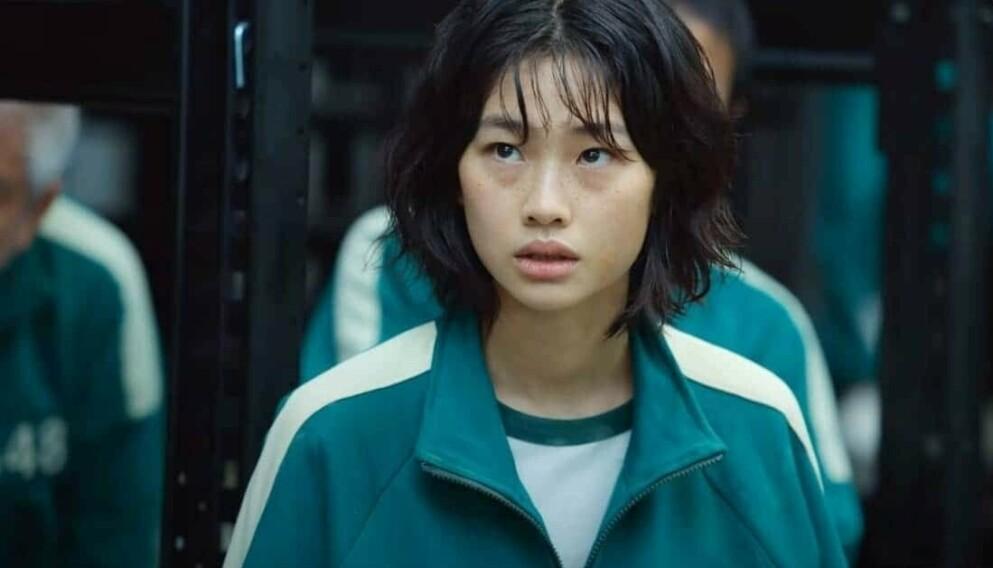 POPULÆR: Hoyeon Jung i Netflix-serien Squid Game er motebransjens nye yndling. FOTO: Netflix
