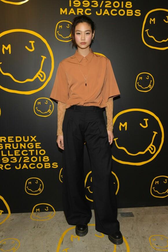 BRANSJENAVN: Hoyeon Jung er et kjent ansikt i moteverdenen. Her på en Marc Jacobs-tilstelning i 2018. FOTO: NTB